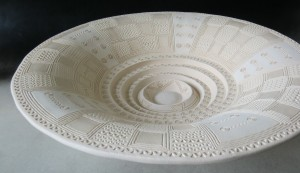 White stepped plate, ceramic, diameter 45 cm
